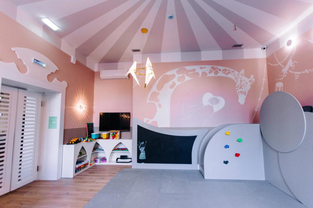 Ресторан с детской комнатой